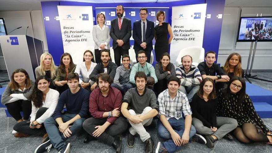 Alumnos de Periodismo inician su formación con las becas La Caixa-Agencia EFE
