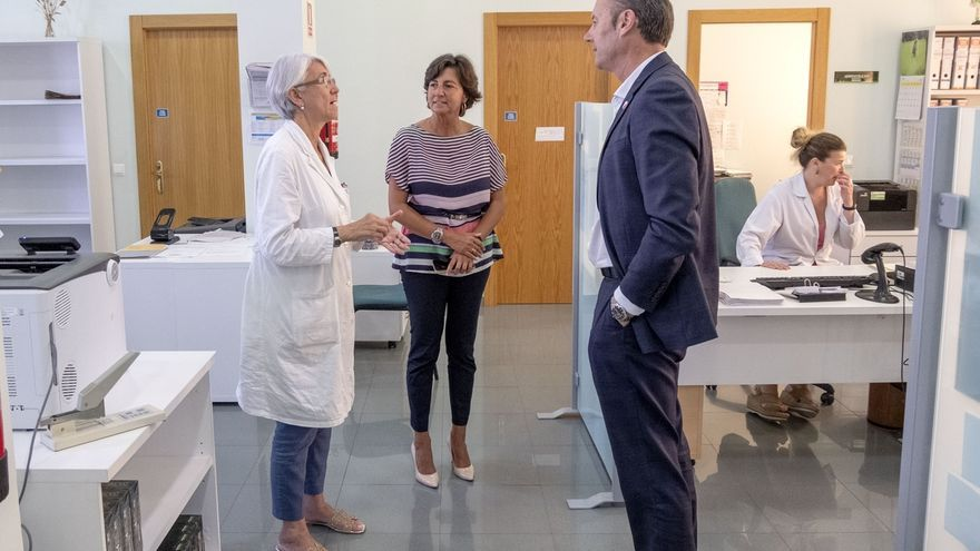 """Blanco visita Laboratorio de Ganadería y pide """"no bajar la guardia"""" en controles para mantener la calidad de productos"""