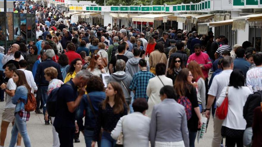 """La Feria del Libro de Madrid se aplaza a octubre por """"responsabilidad"""""""