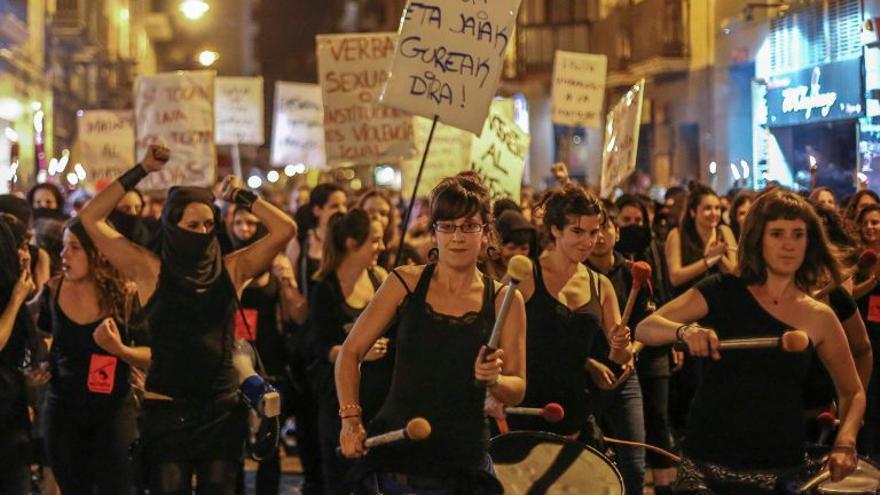 Manifestación 'El miedo va a cambiar de bando' en Iruñea en 2016./ Foto de la web de Farrukas