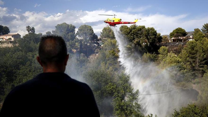 Unas 10.000 personas son evacuadas del sureste de Francia por un incendio