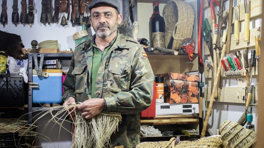 El artesano Antonio Vera.