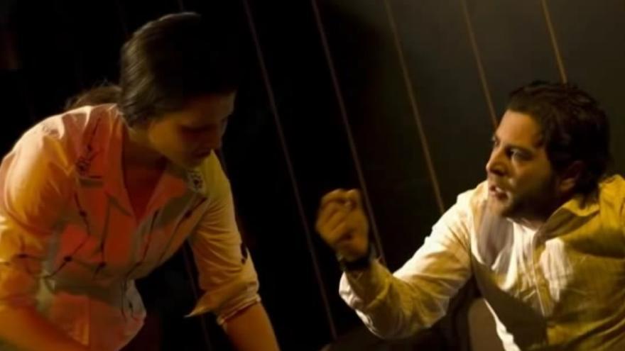 Escena de la obra 'Una hora sin televisión' de la compañía La otra parte Teatro.