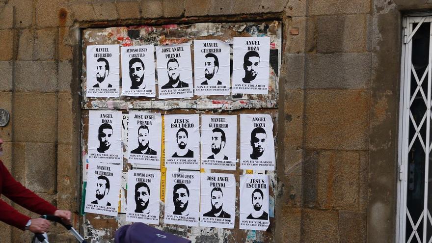 Carteles contra La Manada en las calles