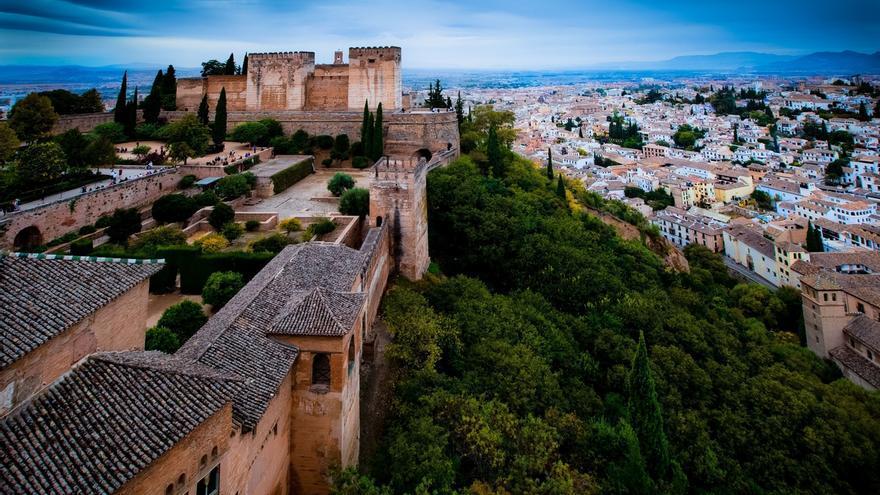 """La Alhambra bate récord de visitas con 2,7 millones y se sitúa """"casi al límite de su capacidad"""""""