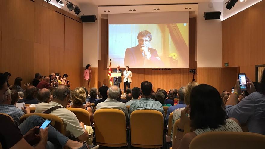 """Puigdemont propone constituir en otoño el """"instrumento político"""" Crida Nacional per la República"""