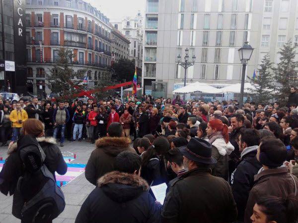 Concentración de protesta transfobia en la Plaza de Pedro Zerolo | Fotografía: Podemos LGTBI