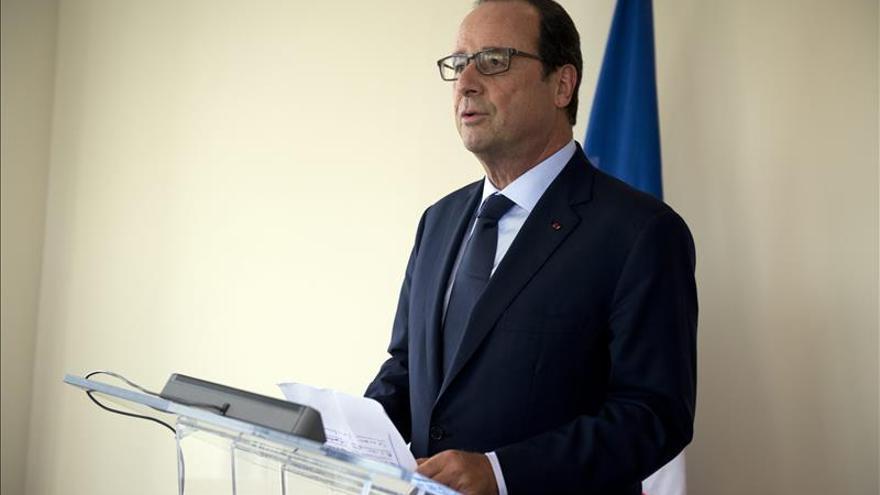 Hollande, sin resultados por ahora, confía en una Francia más fuerte en 2017