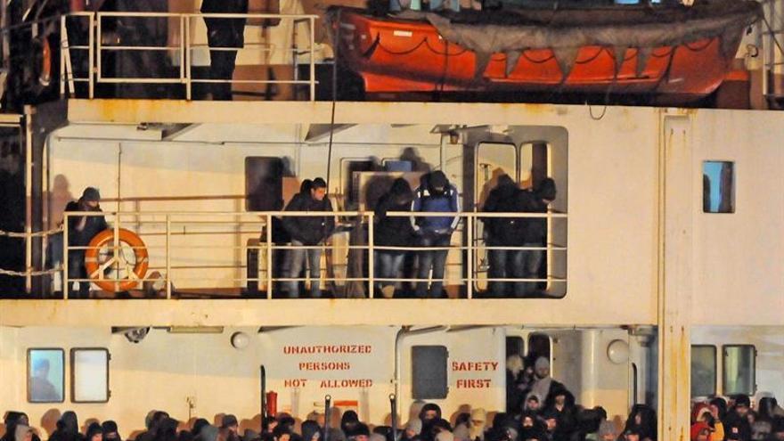 Guardacostas italianos informan del rescate de 4.000 personas en el Mediterráneo