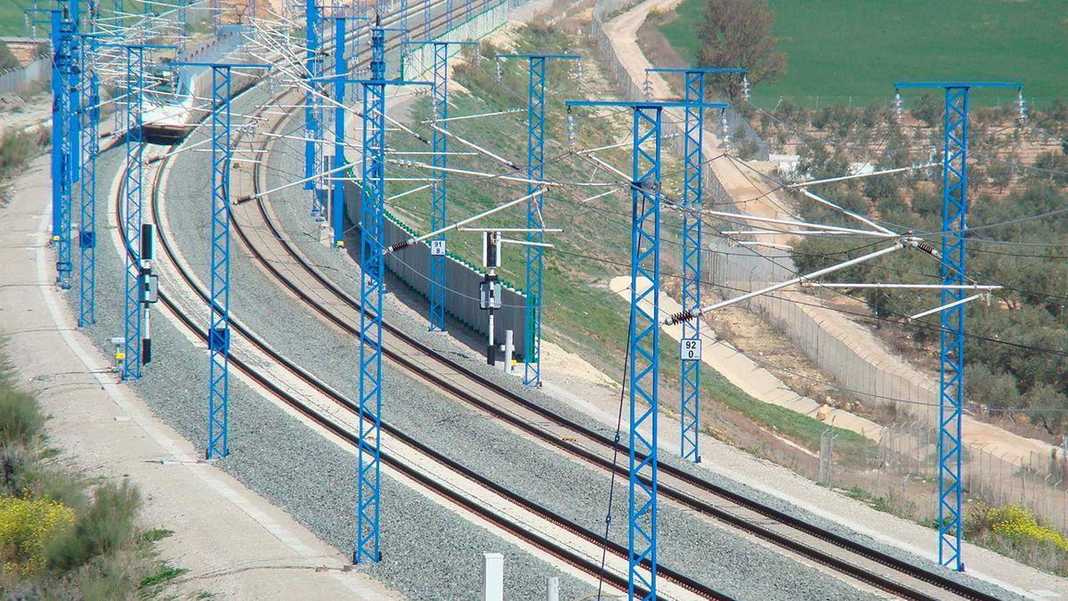 Línea de Alta Velociddad Córdoba Málaga en el trayecto Córdoba-Antequera/Santa Ana.