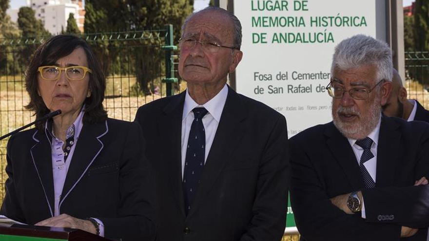 Un verso de Neruda señaliza en Málaga la mayor fosa común de la Guerra Civil