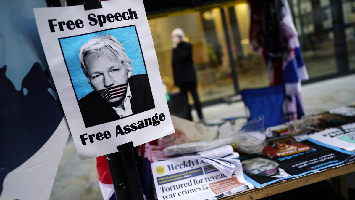 """El fundador de WikiLeaks, el australiano Julian Assange, """"es libre"""" de volver a Australia si gana la batalla contra su extradición a Estados Unidos, dijo este martes el primer ministro del país oceánico, Scott Morrison."""