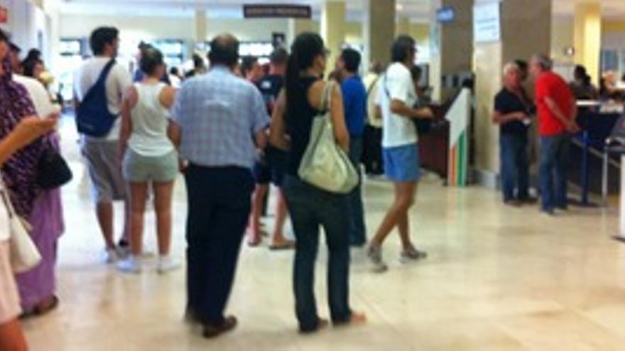 Las colas en el Ayuntamiento de LPGC para obtener el certificado de residencia.