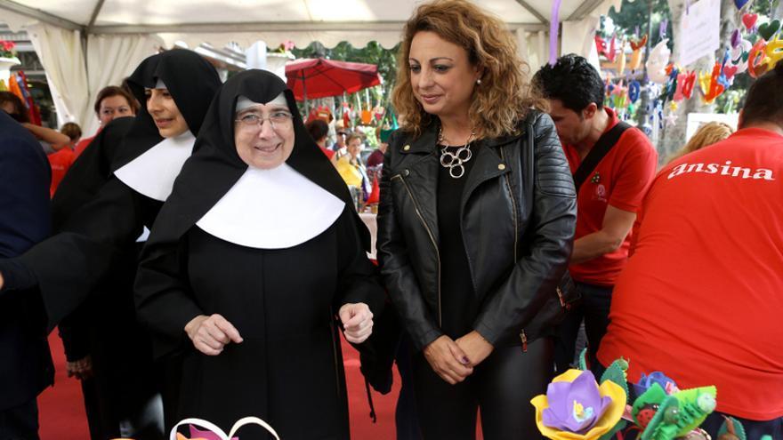 La recaudación del mercadillo se destinará a dos centros que gestiona la Orden de las Hermanitas de los Ancianos Desamparados