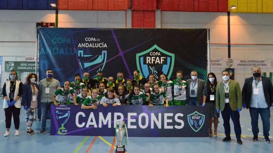Integrantes del Deportivo Córdoba tras lograr la Copa de Andalucía | RFAF