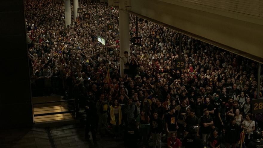 Uno de los puntos en los que se concentraron más manifestantes fue el párking de la planta baja