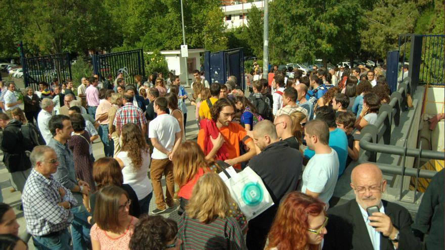 Concentración de apoyo a la Ciencia en la Facultad de Ciencias de la Universidad de Granada