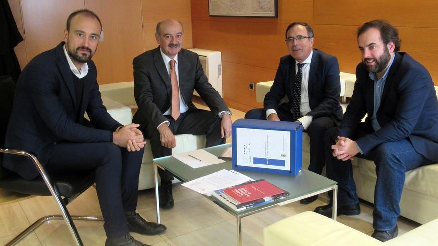 Obras Públicas financiará la construcción del primer tramo de aceras del Paseo del Niño