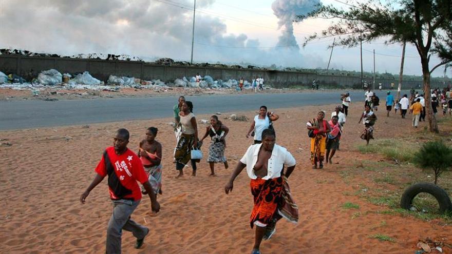 Al menos 73 muertos por la explosión de un camión cisterna en Mozambique