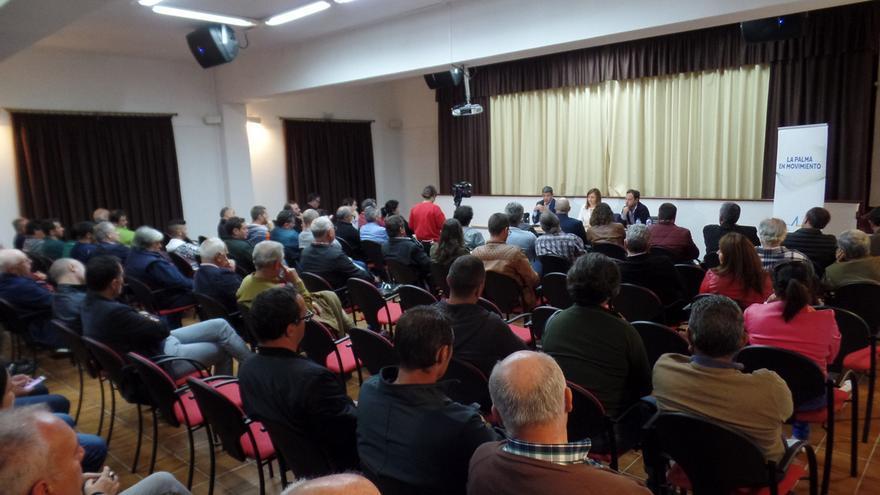 Asistentes al encuentro organizado por CC La Palma de representantes del sector primario de La Palma con el consejero regional de Agricultura, Ganadería y Pesca.