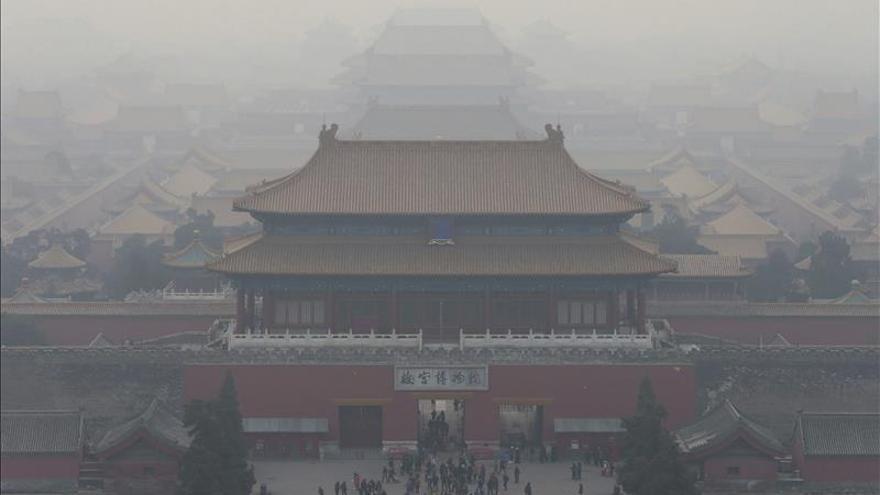 China añade 5 turistas del país a una lista negra por incívicos, que suma 21