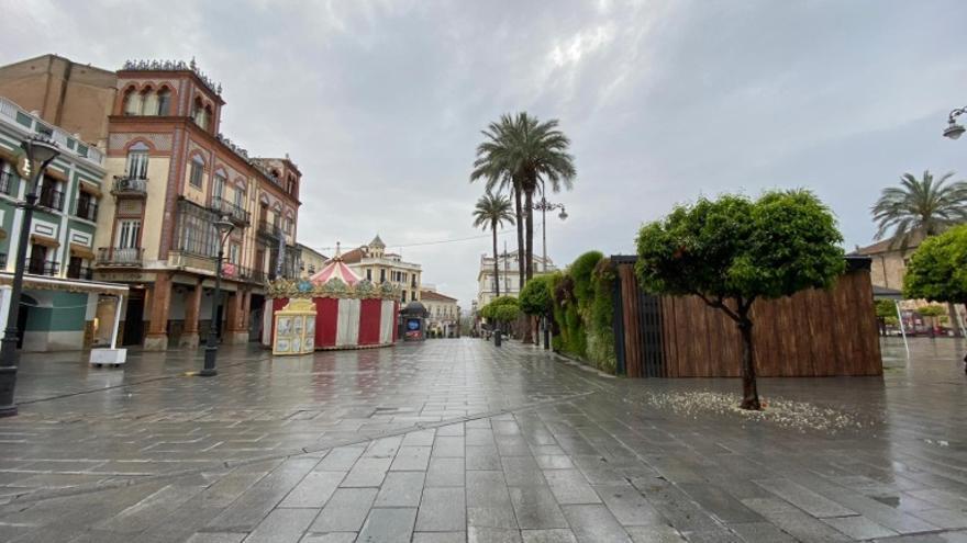 La plaza de España de Mérida, vacía durante el confinamiento