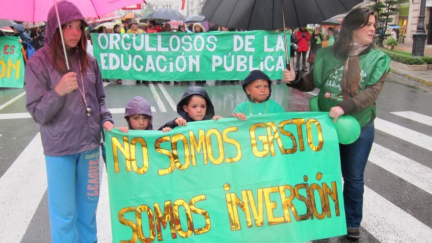 """La Plataforma de la Enseñanza Pública convoca otra manifestación el sábado 25 abierta a otros colectivos """"agraviados"""""""