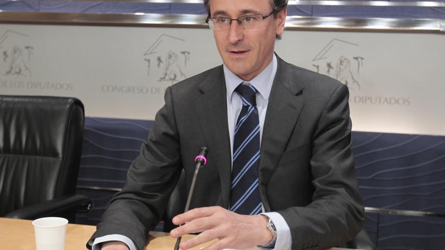 PP precisa que todavía no hay sucesor y que la decisión debe tomarse entre Génova y la dirección regional