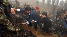 Perdón, pero no homenaje: Cospedal evita su promesa con las familias del Yak-42
