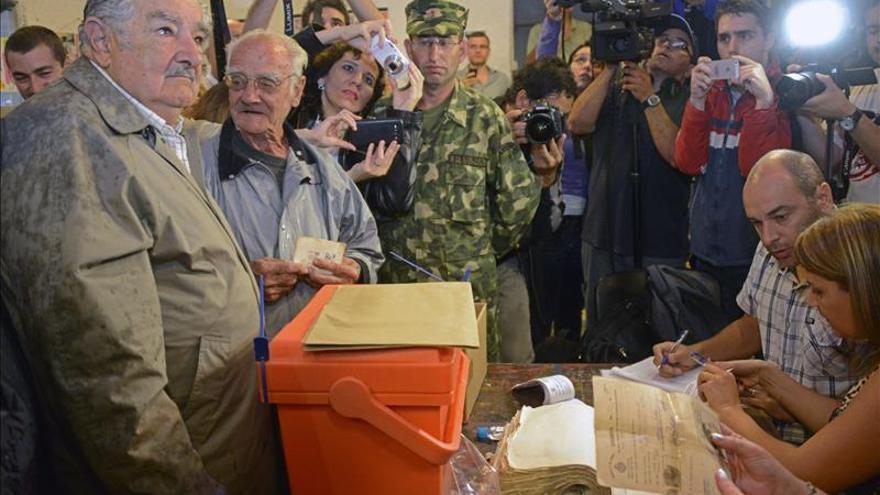 """Mujica dice que """"No sirvo como jubilado tirado en un rincón acariciando recuerdos"""""""