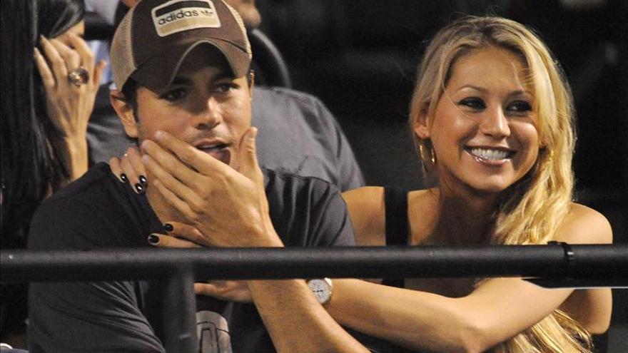Enrique Iglesias planea casarse la semana próxima en Miami, según un diario