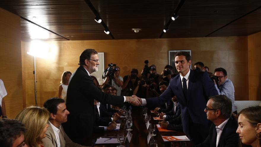 Rivera dice que le gustaría ver en el Gobierno a miembros del equipo que negoció el acuerdo con C's, como Fátima Báñez