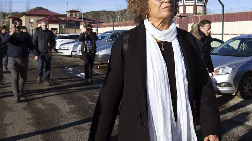Activista americana critica que se le deniegue visitar a Otegi en prisión