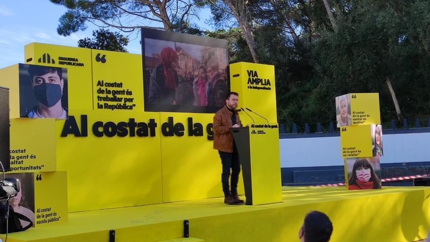 El vicepresidente de la Generalitat en funciones y candidato de ERC a la Presidencia, Pere Aragonès, en un mitin de campaña en Lloret de Mar (Girona).