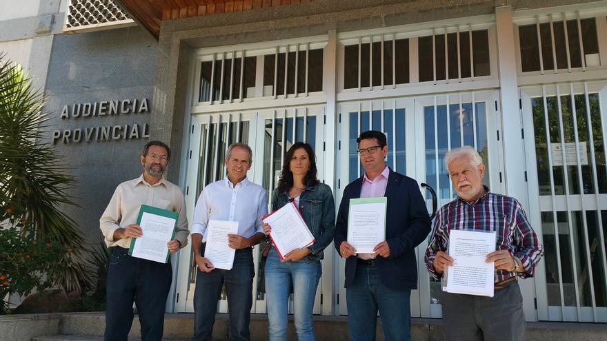 Andalucía Laica denuncia las inmatriculaciones de bienes públicos hechas por el Obispado de Córdoba.