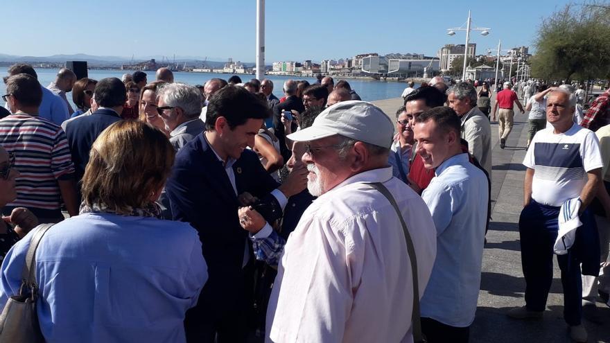"""Casares pide apoyo al PSOE para que la voz de Cantabria llegue al Gobierno """"sin intermediarios"""""""