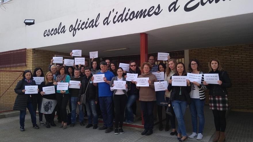 Protesta en la Escuela Oficial de Idiomas de Elda