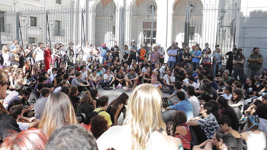 Asamblea en la acampada de Rebellion Extinction de Madrid - Álvaro Vega Gómez