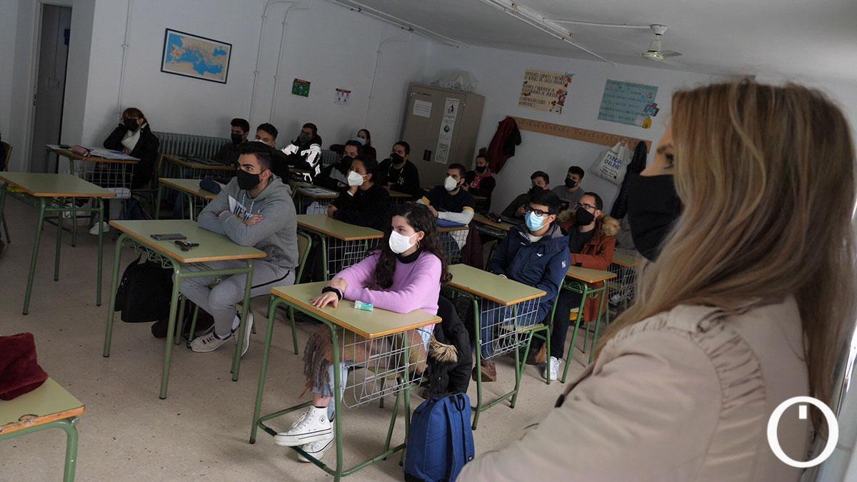Alumnos del Colegio Sansueña en una clase