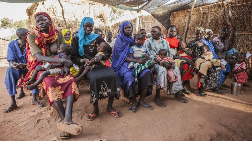 Más al norte se instalan los campos de refugiados. Es el caso del campo de Yida, en el estado de Unidad, donde MSF trabaja desde 2011. Desde abril del año pasado, la población ha crecido sin pausa hasta superar las 75.000 personas. Fotografía: Yann Libessart/MSF