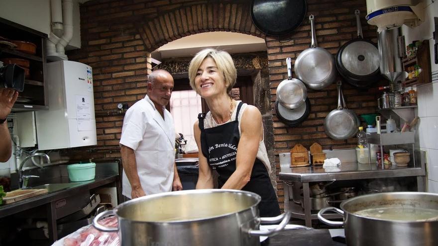 Zabala (Elkarrekin Podemos) pasa la jornada de reflexión en Tolosa junto a su familia y compañeros
