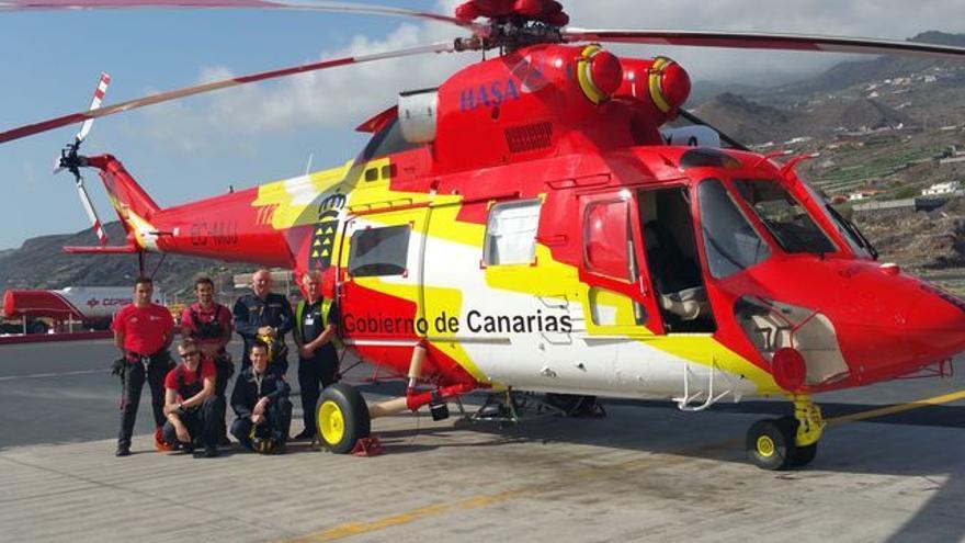 En la imagen, un helicóptero del GES con sede en La Palma. Foto: LUZ RODRÍGUEZ.