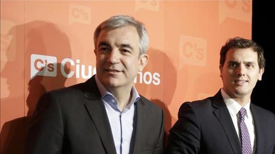 Luis Garicano junto a Albert Rivera