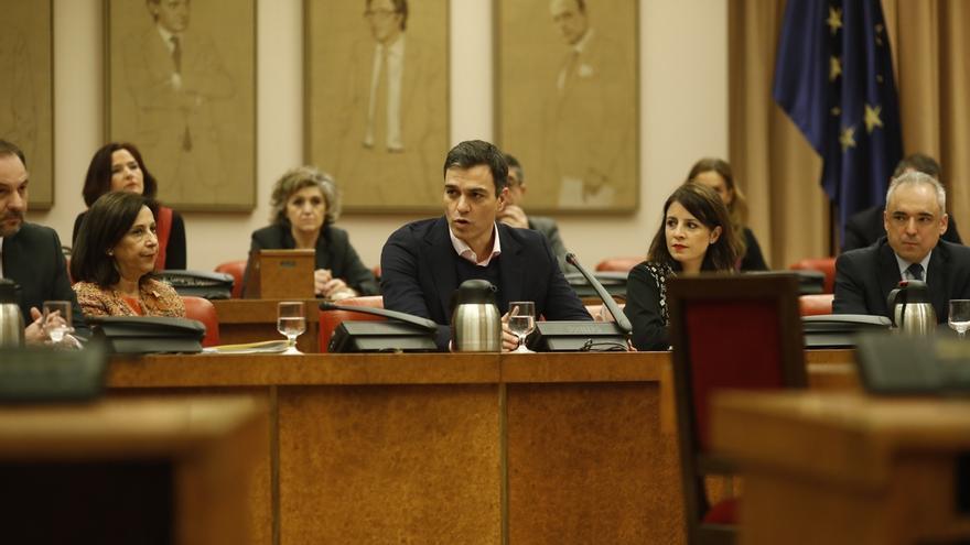 El PSOE tuvo que cambiar sus preguntas al Gobierno en el Congreso al no incluir ninguna sobre el 8 de marzo