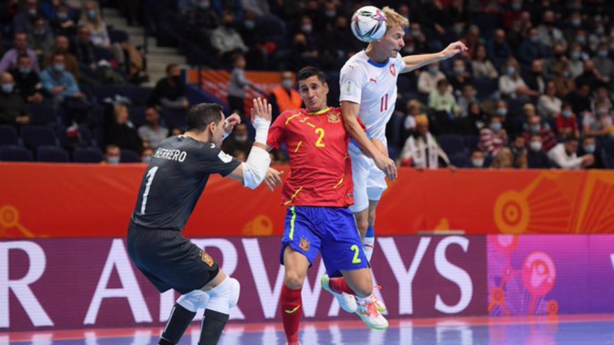 Lance del encuentro entre España y República Checa