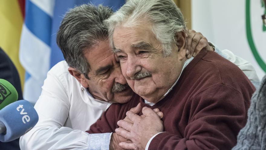 Revilla y Mujica han compartido claros gestos de complicidad. | JAVO DIAZ