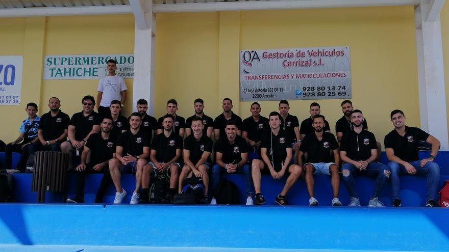 La plantilla de la UD Guía en un reciente desplazamiento a Lanzarote.