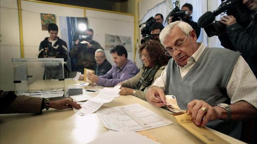 Una mesa electoral