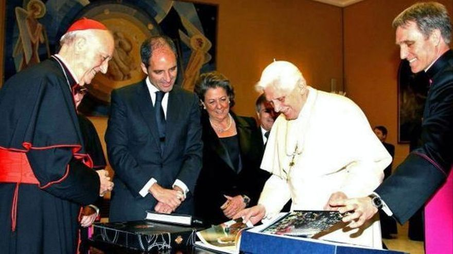García Gasco, Camps, Barberá y Benedicto XVI durante la visita del Papa a Valencia