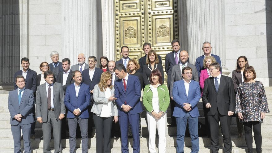"""Pedro Sánchez reúne mañana a sus presidentes autonómicos para dar un mensaje de """"unidad"""" ante el """"desafío"""" soberanista"""